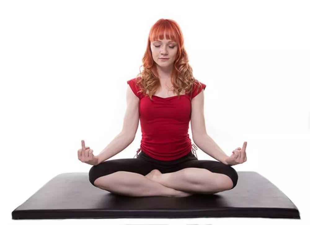 """大笑瑜伽 VS 愤怒瑜伽,哪个更能""""药到病除""""?"""